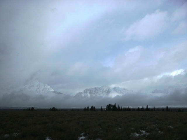 Grand tetons in the cloud.jpg
